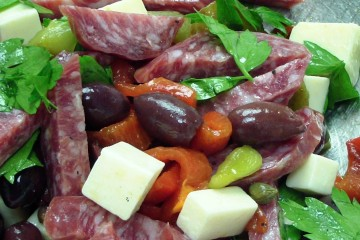 A delicious sopressata salad ready to be served.